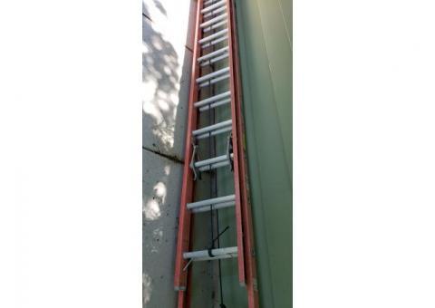 Louisville 14/28 Foot Extension Ladder